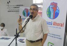 El diputado al Parlacen, doctor Carlos Sánchez mientras expone durante la actividad.
