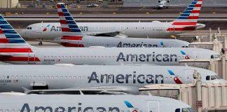 (EFE) - American Airlines ha tenido que lidiar en 2020 con una caída de los ingresos de algo más del 62 %, desde los 45.768 millones hasta los 17.337 millones de dólares con los que cerró 2020. EFE/Michael Reynolds/Archivo