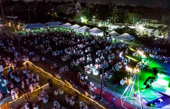 Imagen de la fiesta de fin de año que se celebró en el Hotel Palladium, en Bávaro. (FUENTE EXTERNA)