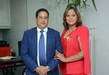Héctor Acosta y Anabel Baldwin, ejecutivos de Baldwin agencia de viajes.