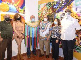 Los fotógrafos expositores Odalis Rosario, Guadalupe Rodríguez, Mariano Hernández, Tony Fondeur, Mary Frances Attías y Juan de los Santos.