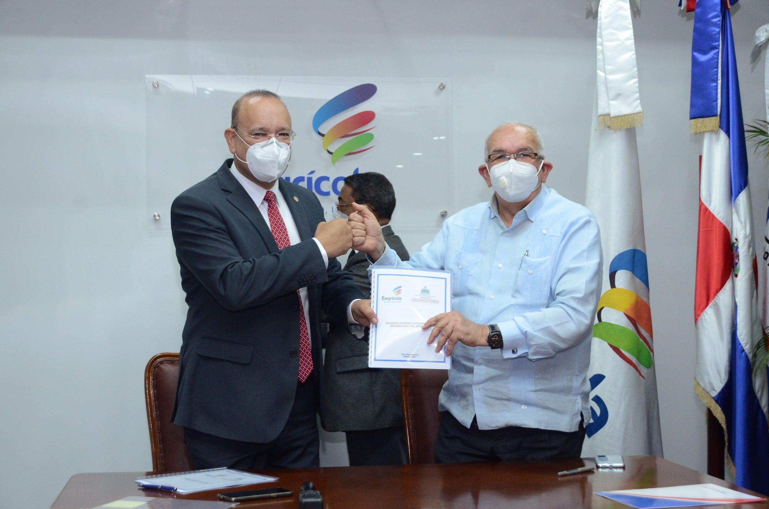Administrador del Bagrícola,Fernando Durány el Director de Proindustria,Ulises Rodríguez,