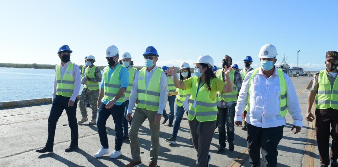 El Director de Autoridad Portuaria aseguró que con la inversión del gobierno buscan seguir fomentando y desarrollando las empresas que hacen vida en el puerto, además de desarrollar una terminal de combustibles y un astillero.