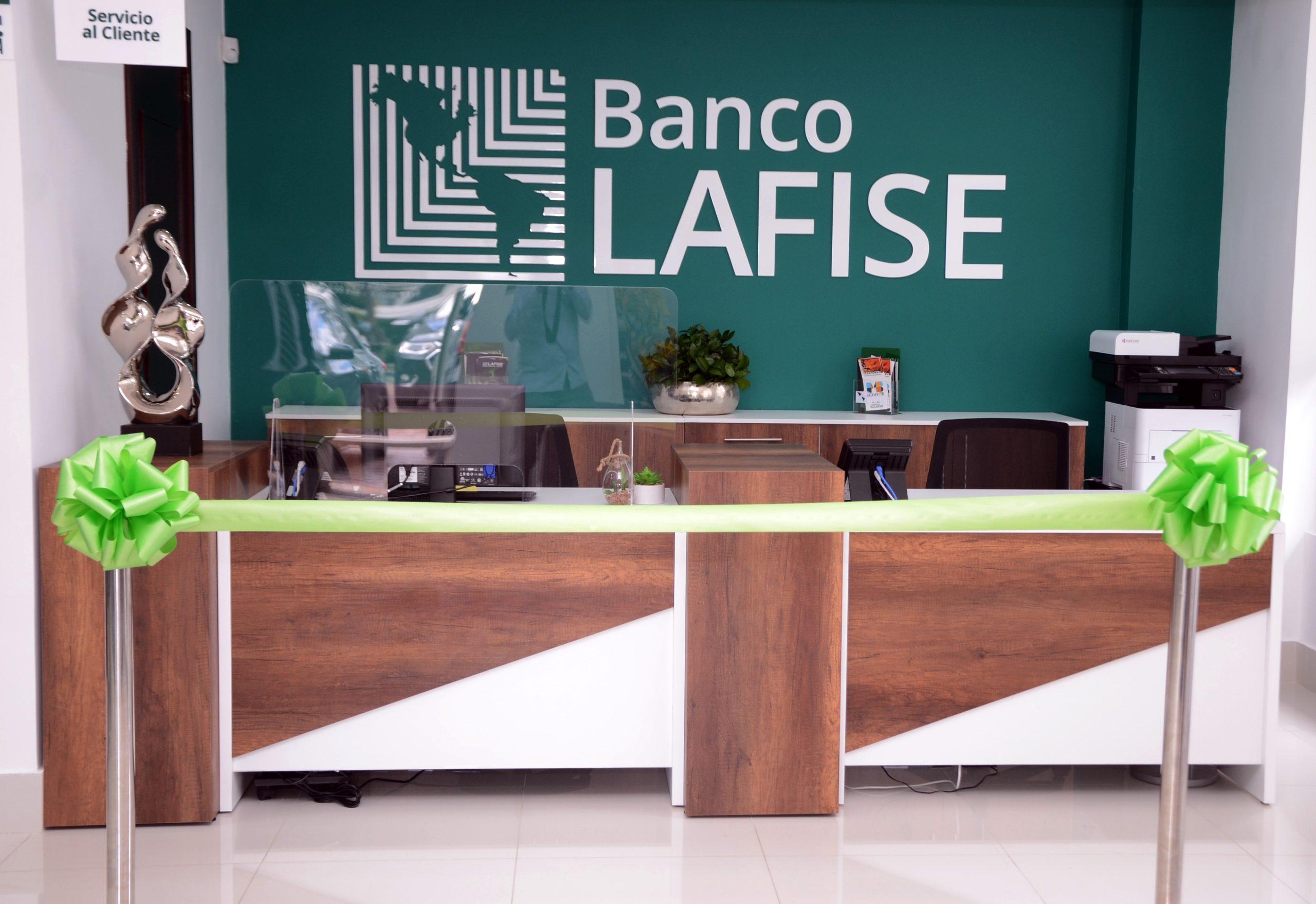 Interior del nuevo Centro de Negocios Banco Lafise