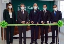 Claudia Cueli, Marco Cabral, Edgar del Toro, Raymundo Yunen y Hugo Villanueva durante el corte de cinta