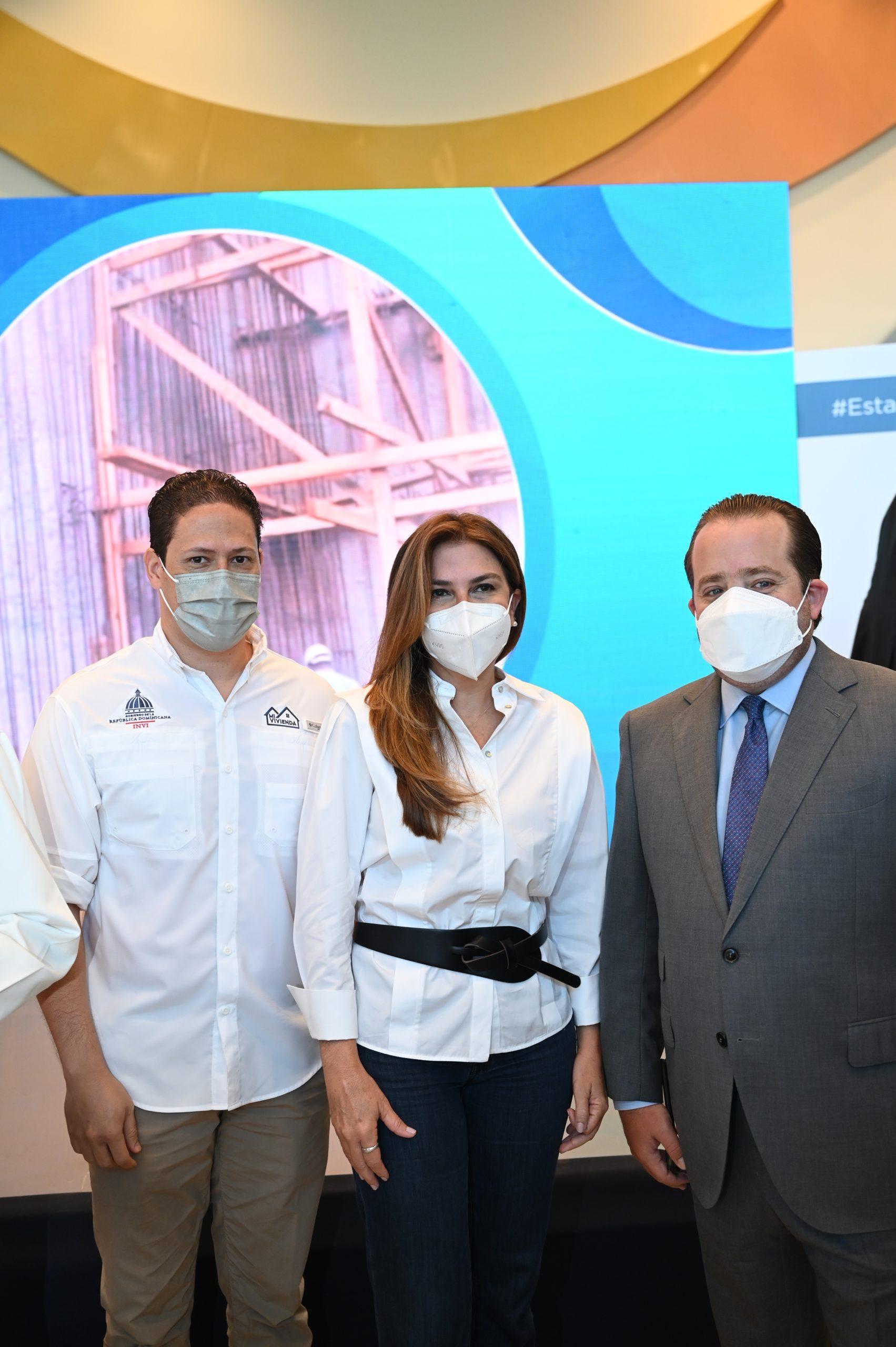 Carlos Bonilla, Carolina Mejia y Jose Paliza