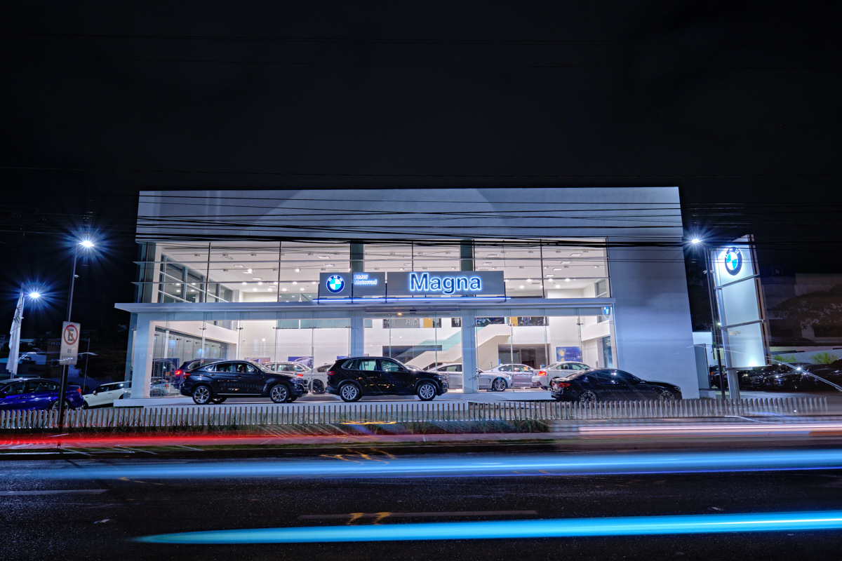 Magna Motors_BMW_Av Abraham Lincoln