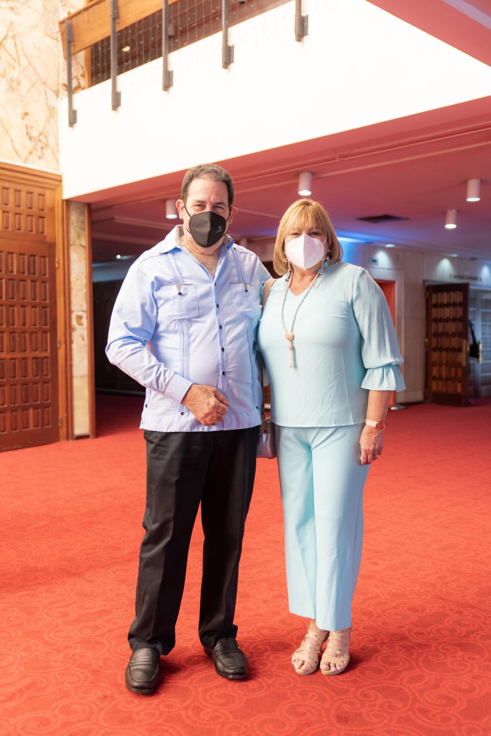 Dr. Moises Herrera y Julia de Herrera
