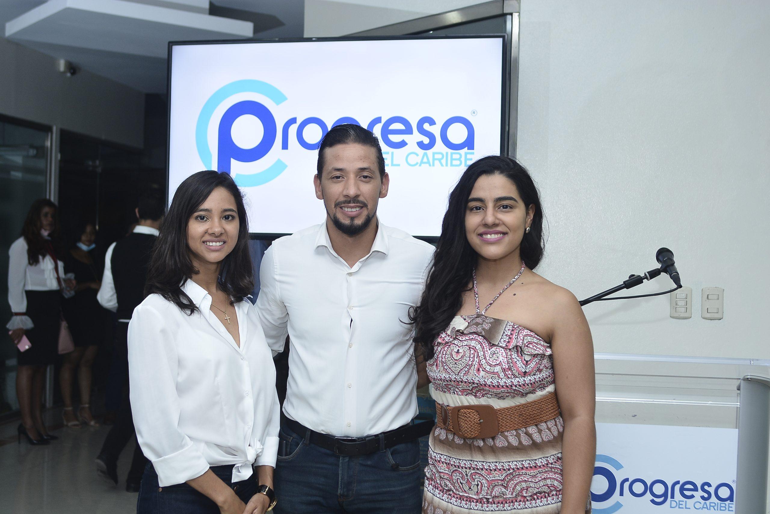 Jeannette Adamez, Javier Taveras y Lucia Medina