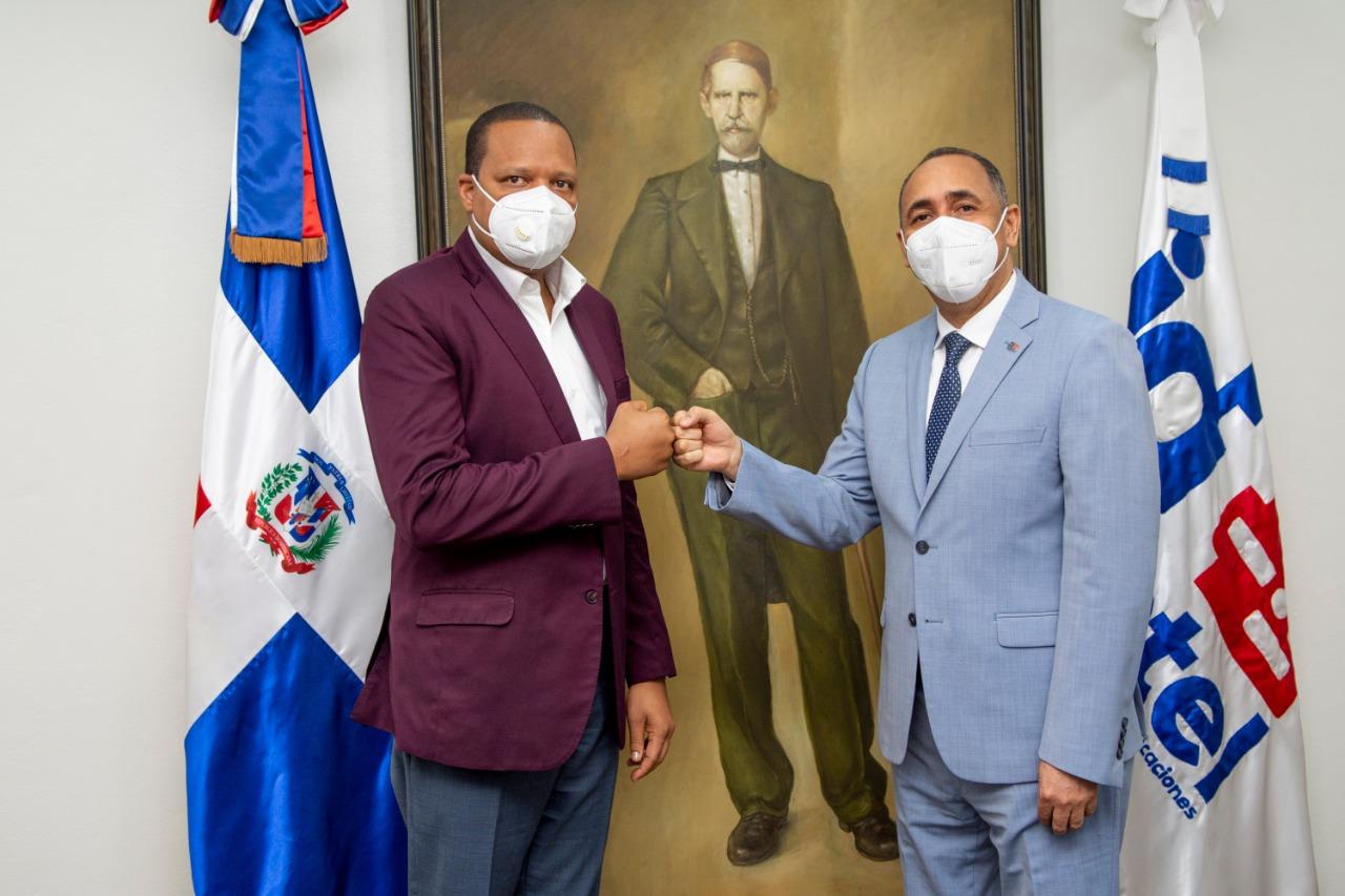 Eddy Alcántara y Nelson Arroyo