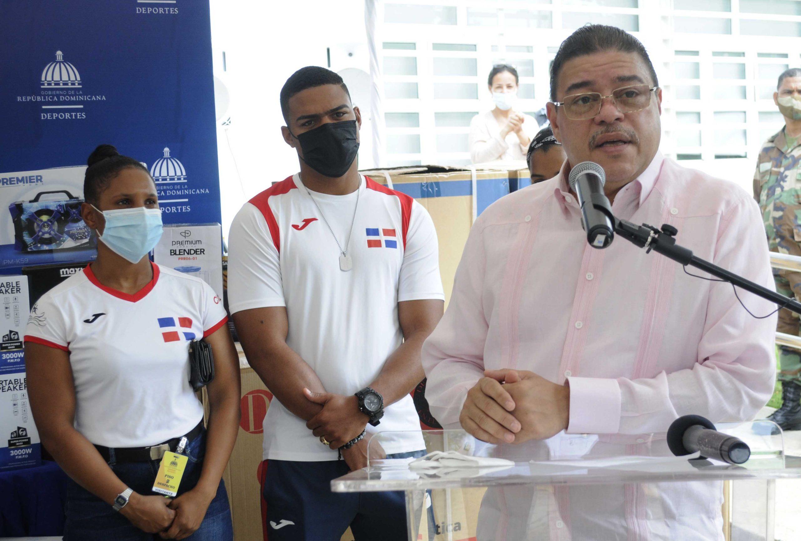 El ministro de Deportes, Francisco Camacho,
