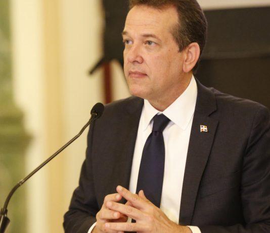 Ministro de Industria, Comercio y MiPymes, Víctor (Ito) Bisonó Haza